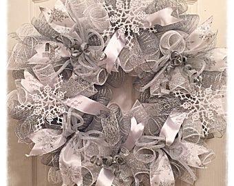 Winter Snowflake Deco Mesh Wreath/Snowflake Wreath/Winter Wreath/Christmas Wreath/Christmas Snowflake Wreath