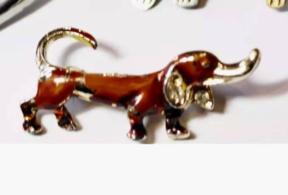 Funny little brown Enamel Weiner Dog Dachshund Hound Brooch Pin