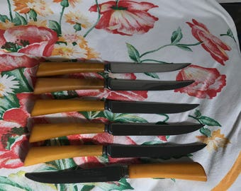 Burns Mfg.Co. Butterscotch Steak Knifes, Bakelite Handles, Serrated Stainless, Syracuse NY, Set of 6 Knives