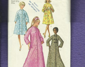 1970's Simplicity 9074 Retro Asian Inspired Flared Robe or House Coat Size 16 UNCUT