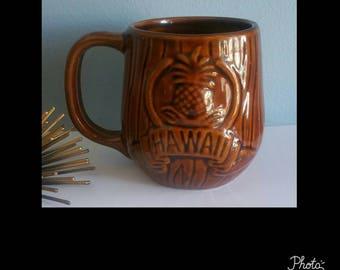 Vintage Hawaiian souvenir mug.