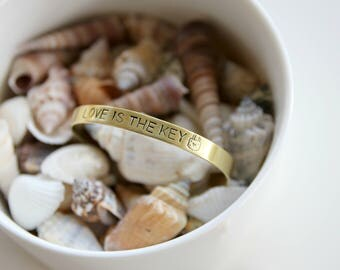 Love is the key | Handstamped bangle 6mm