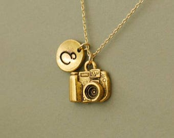 Little Camera Necklace in gold  - Gift for Photographer -  Gold Camera Necklace - Camera Jewelry  - custom friendship necklaces