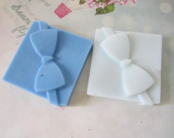 Scented Wax Melts - Present Scented Wax Warmer - Scented Soy Wax Melts - 2oz Shape Candle Melts