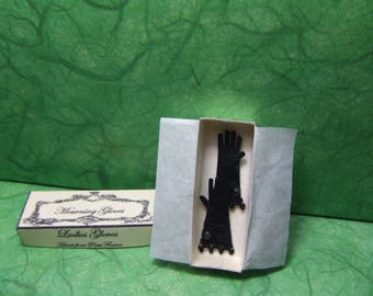 1/12th scale, Gloves, Gothic, 1 Inch Scale, 'Mourning' Gloves, 1:12, Victorian, Goth, Leather Gloves, Vampire, Spooky, 1/12th Shop, Fashion