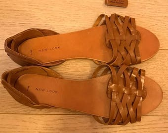 Woman leather sandals size 10