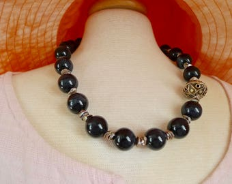 2.080.0013 Necklace with black tiger eye, keshi pearls and gold plated 925 silver