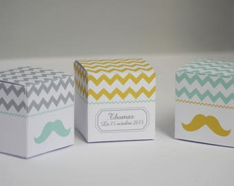 Favor boxes mustache personalisized by 12