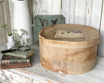 A vintage Gentleman's outfitter's hatbox