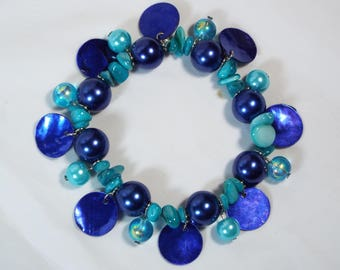"""Cynthia Lynn """"SUMMER BLUES"""" Blue & Aqua Shell Pearl Beaded Stretch Bracelet"""