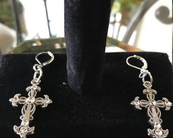 silver 21 in chained cross necklace and earrings set
