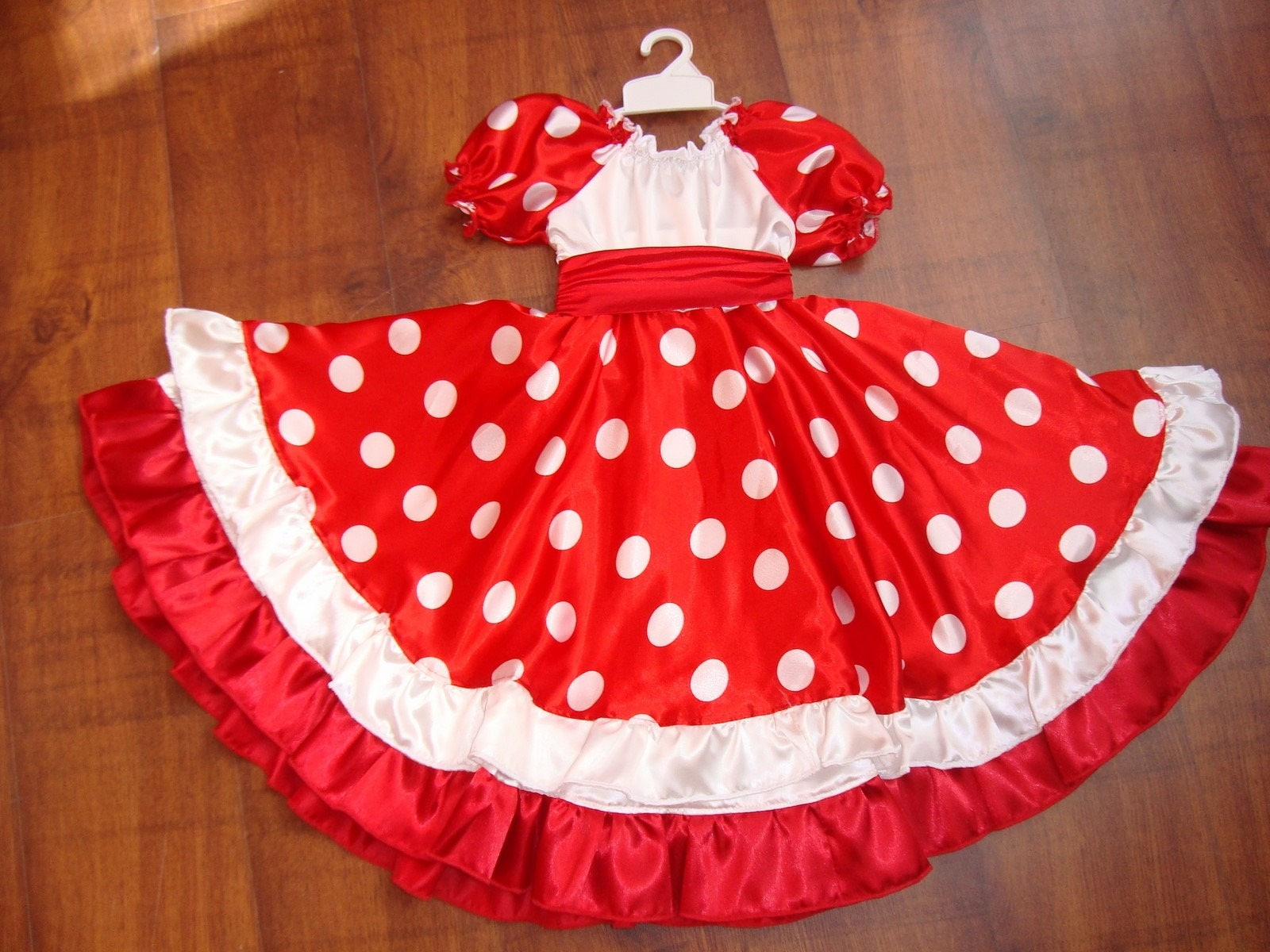 Robe flamenco rouge et blanc