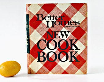 1971 Better Homes and Gardens New Cook Book, Fourth Printing, Five Ring Binder, Retro Plaid Cover