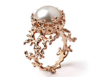CORAL Pearl Ring, Rose Gold Ring, Pearl Engagement Ring, Rose Gold Engagement Ring, Statement Ring, Large Pearl Ring