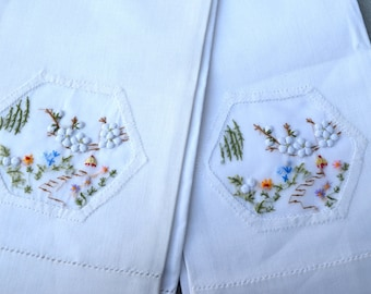Embroidered and Appliqued Linen Guest Hand Towels Two Vintage