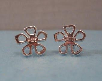 SALE 925 Silver Flower Stud Earrings
