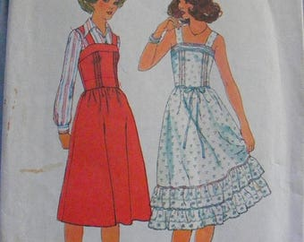 ON SALE 35% OFF 1970's Misses' Ruffle Bottom Dress / Jumper Simplicity Sewing Pattern 8015 Size 8 Bust 31
