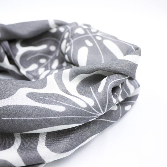"Wool viscose scarf with dark grey and white ring ""Monstera"", graphic infinity scarf"