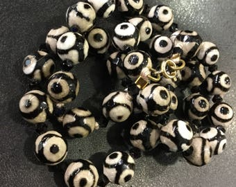 Black and white gemstone beads