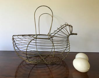 Vintage Chicken Wire Egg Basket, Gold Tone Metal Hen Shaped Egg Gathering Basket, Rustic Farmhouse, French Country Cottage Kitchen Decor