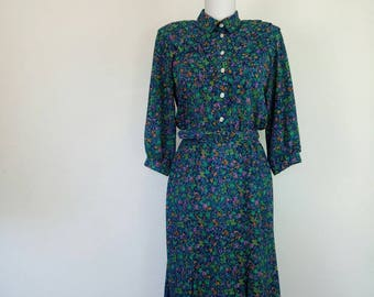 Vintage 70s belted Dress Tea Dress Secretary Green Ditsy Flowers Party Dress size S/M