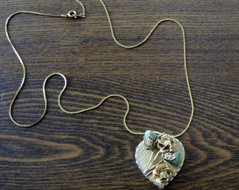 Heart Shaped Vintage Pendant With Jade and Pearls Gold-Toned