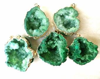 Large Green Agate Druzy Geode Pendants // Gold Green Agate Drusy Pendant Necklace // Drussy crystal Pendant // Druzzy stone jewelry B967