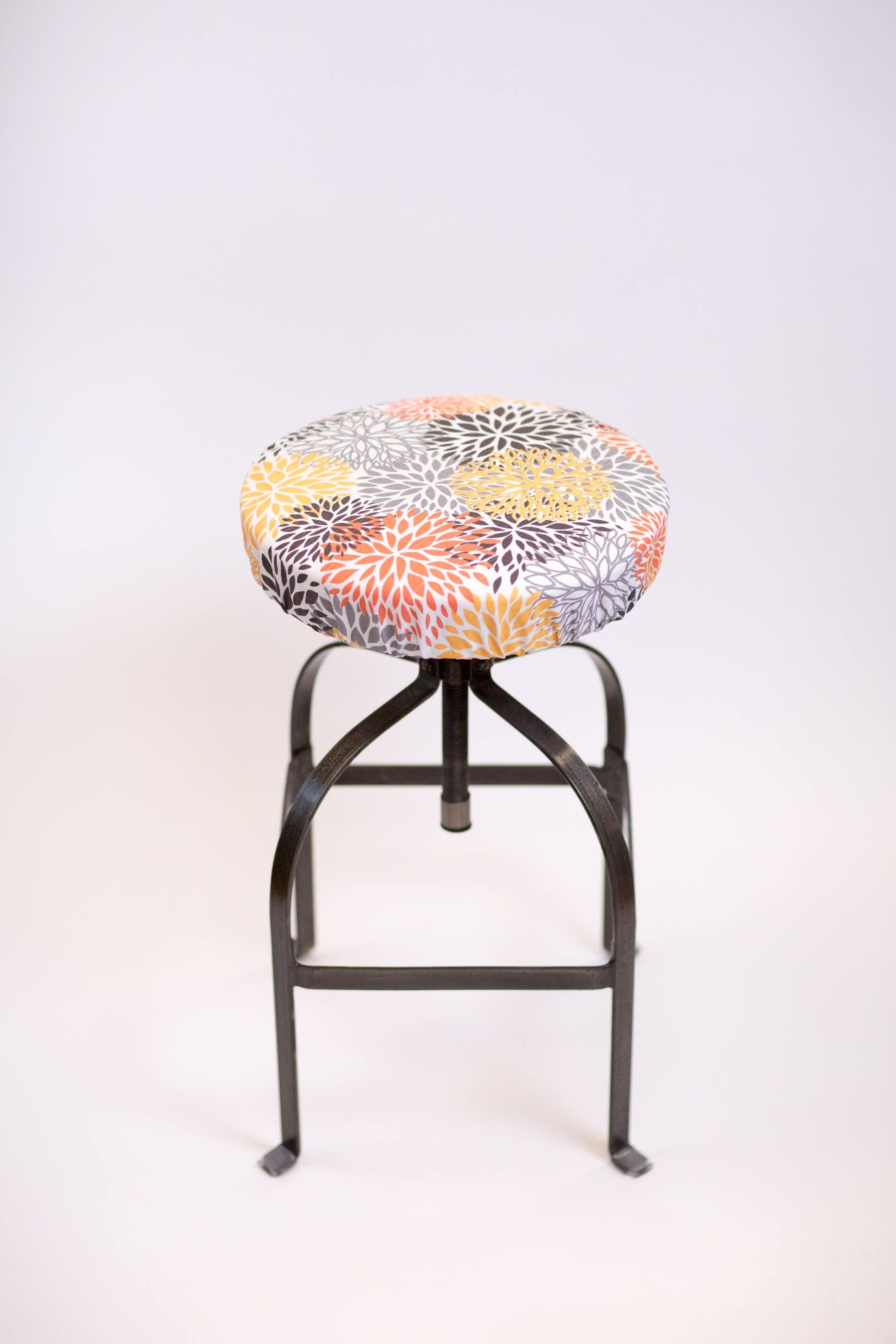 Round barstool cover elasticized seat cover counter stool : ilfullxfull13693202413ddq from www.etsy.com size 1867 x 2800 jpeg 244kB