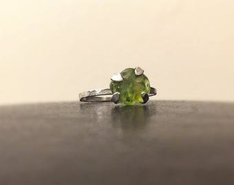 Raw peridot ring, Peridot jewelry, Real peridot,Sterling Silver Ring, Chakra,Yoga,Genuine,Natural Green Ring