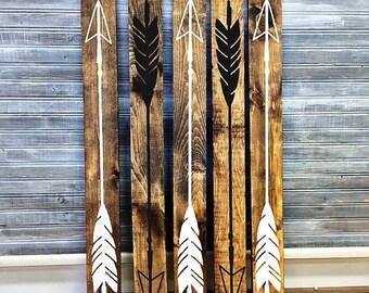 SUMMER SALE - Reclaimed Wood Arrow Sign - Girls Bedroom Wall Decor, Reclaimed Barn wood, Wood Home Decor, Gift for Her, Vinyl Arrow Design,