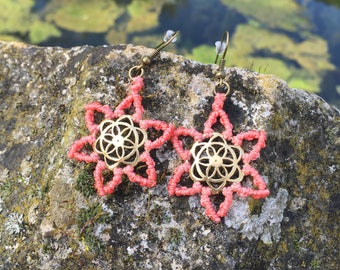 Macrame earrings with little metallic flowers of life