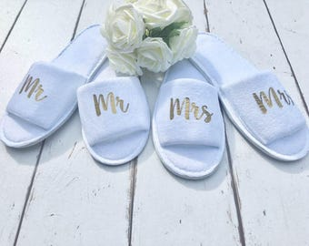 Mr and Mrs Slippers | Bridal slippers | Honeymoon | Personalised Spa Slippers |Wedding Slippers |Couple Slippers |Honeymoon Gift |Mr and Mrs