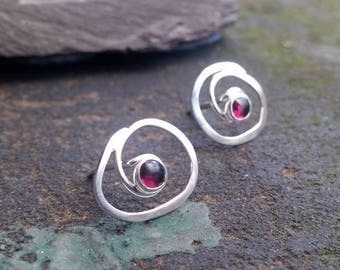 Swirl Garnet silver earrings