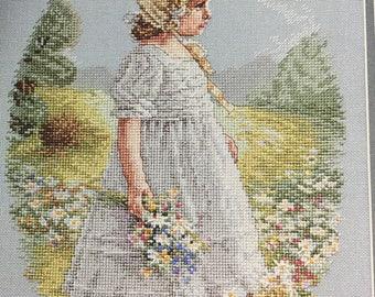 The Daisy Girl Cross Stitch Pattern Leisure Arts #2616