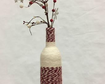 Rustic red and white color-blocked yarn-wrapped wine bottle