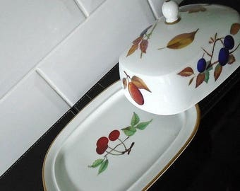 Royal Worcester Evesham Butter / Cheese Dish