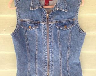 90's Zip-up Form fitting Denim Vest