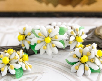 Boho Wedding Jewelry Set - Vintage Bracelet and Earrings - 1950s Flower Jewelry - Summer Gift For Her - One Of A Kind Milk Glass Jewelry