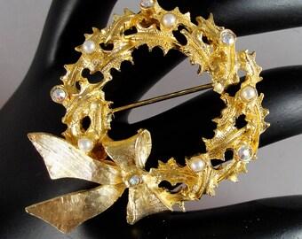 Vintage MYLU Pearls and Aurora Borealis Wreath