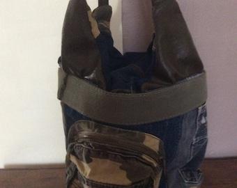 superbe sac bandouliere de type militaire
