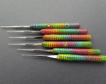 "Dread Lock   crochet hook ""rainbow"""