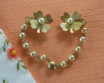 Vintage 1950's Flower Sweater Clip, Faux Pearl Centers in Dogwood Flowers, So Cute and Detailed, Mid Century Retro Chic, Clearance Sale!