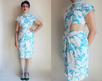 70s Dress 70s Clothing Cut Out Dress Hawaiian Dress Blue and White Floral Print Dress Below the Knee Dress Size Small Medium Flower Print