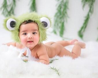 Frog Bonnets  #newborn #sitter