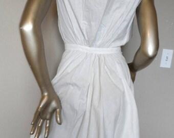 40% OFF Vintage 1930's White Victorian Bloomers/Slip* Size: Tiny Waist & Oversized Bust . Unusual . Eyelet Bosom . Scalloped Bloomer Hems .