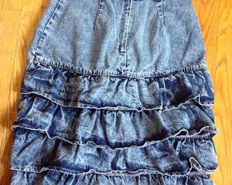Ruffled vintage acid wash skirt size  M
