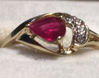 14k Solid Yellow Gold Genuine Ruby and Diamond Ring~Feminine and Beautiful! Size 7
