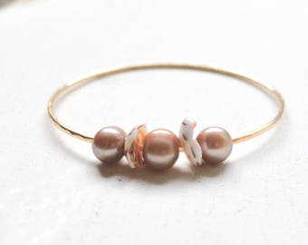 Pearl Bangle Gold, Puka Shell Bracelet Gold, Puka Shell Pearl Bangle, Gold Bangle Bracelet, Beachy Bangle