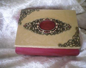 box / jewelry box, raspberry romance / cream, unique, wood/bronze