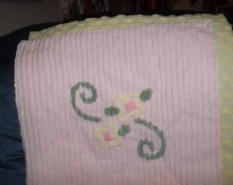 "Vintage Chenille 18"" Floral/Swirl Panel"